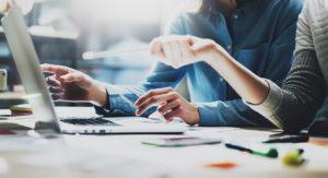 ИП-малый предприниматель VS лицо виртуальной зоны. Как лучше вести IT-бизнес в Грузии?